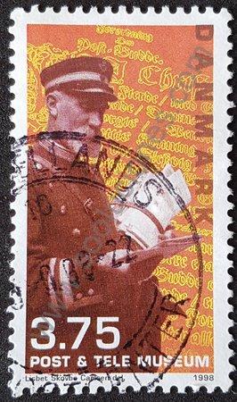 Cartero de 1922 sello de Dinamarca año 1998