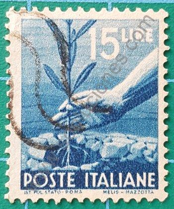 Mano plantando Olivo sello de Italia 1946
