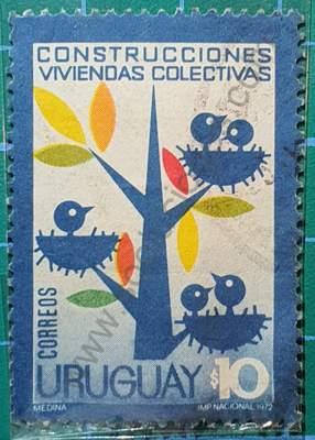 Árbol con pájaros y nidos - sello Uruguay 1972