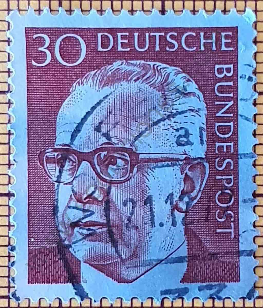 Presidente Gustav Heinemann 30Pf - Sello de Alemania año 1971